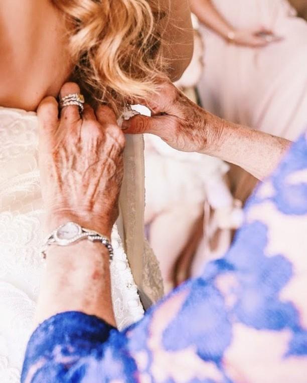Such a special and sweet moment. 💕⠀⠀⠀⠀⠀⠀⠀⠀⠀ . ⠀⠀⠀⠀⠀⠀⠀⠀⠀ . ⠀⠀⠀⠀⠀⠀⠀⠀⠀ . ⠀⠀⠀⠀⠀⠀⠀⠀⠀ . ⠀⠀⠀⠀⠀⠀⠀⠀⠀ . ⠀⠀⠀⠀⠀⠀⠀⠀⠀ . ⠀⠀⠀⠀⠀⠀⠀⠀⠀ #weddingdress⠀⠀⠀⠀⠀⠀⠀⠀⠀ #instawed⠀⠀⠀⠀⠀⠀⠀⠀⠀ #instawedding⠀⠀⠀⠀⠀⠀⠀⠀⠀ #sdweddingplanner ⠀⠀⠀⠀⠀⠀⠀⠀⠀ #jewishweddingplanner⠀⠀⠀⠀⠀⠀⠀⠀⠀ #sandiegoweddingplanner⠀⠀⠀⠀⠀⠀⠀⠀⠀ #sandiegobride