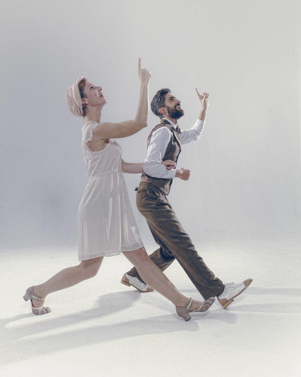 Le Lindy Hop est LA danse tendance dans l'évènementiel ces dernières années : rétro, vintage, élégance, spectaculaire… Beaucoup d'adjectifs pourraient qualifier cette danse, dont Brotherswing s'est fait la spécialité. -