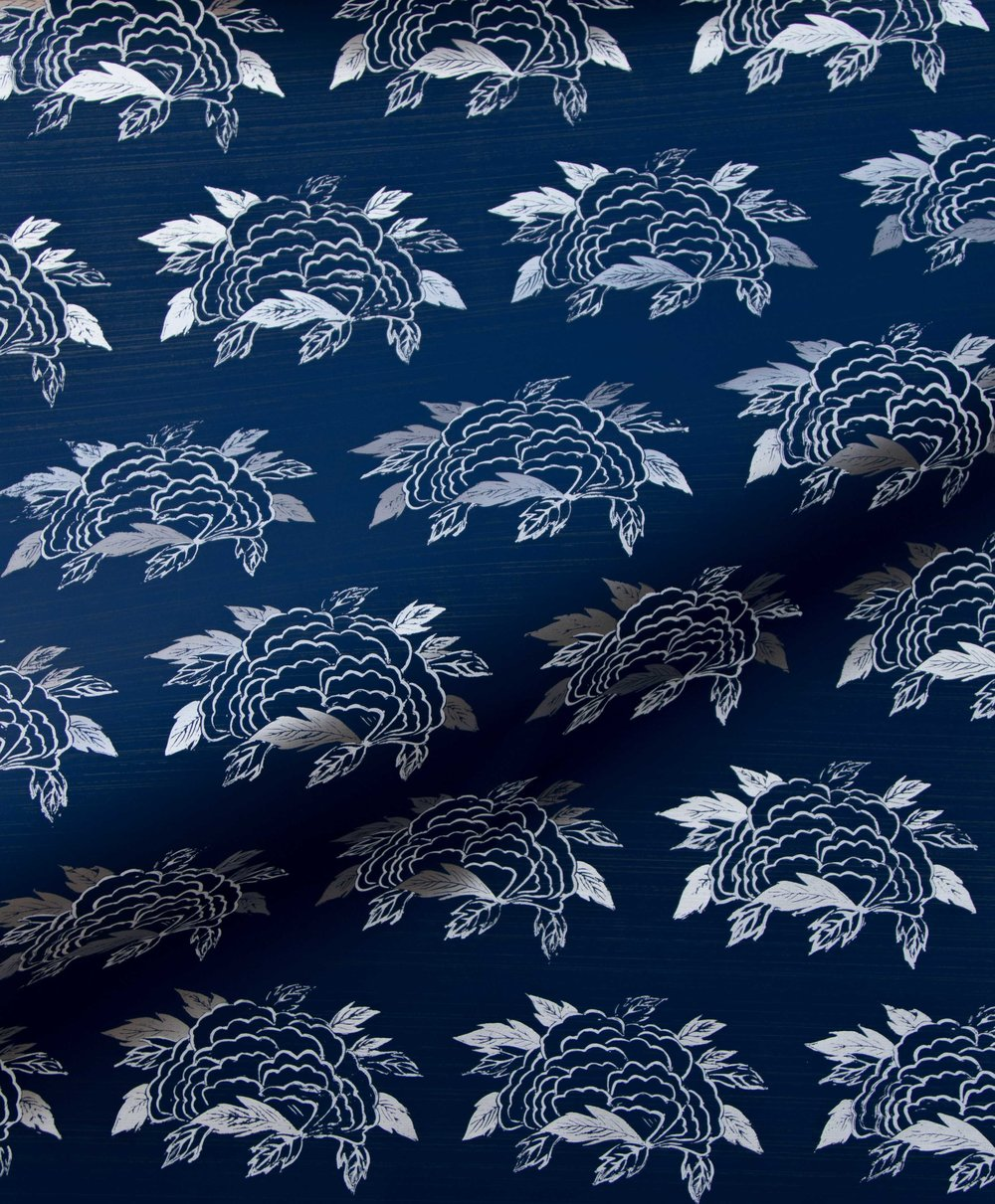 Krane Home_SL130-02 Chrysanthemum Navy Wallpaper-3.jpeg