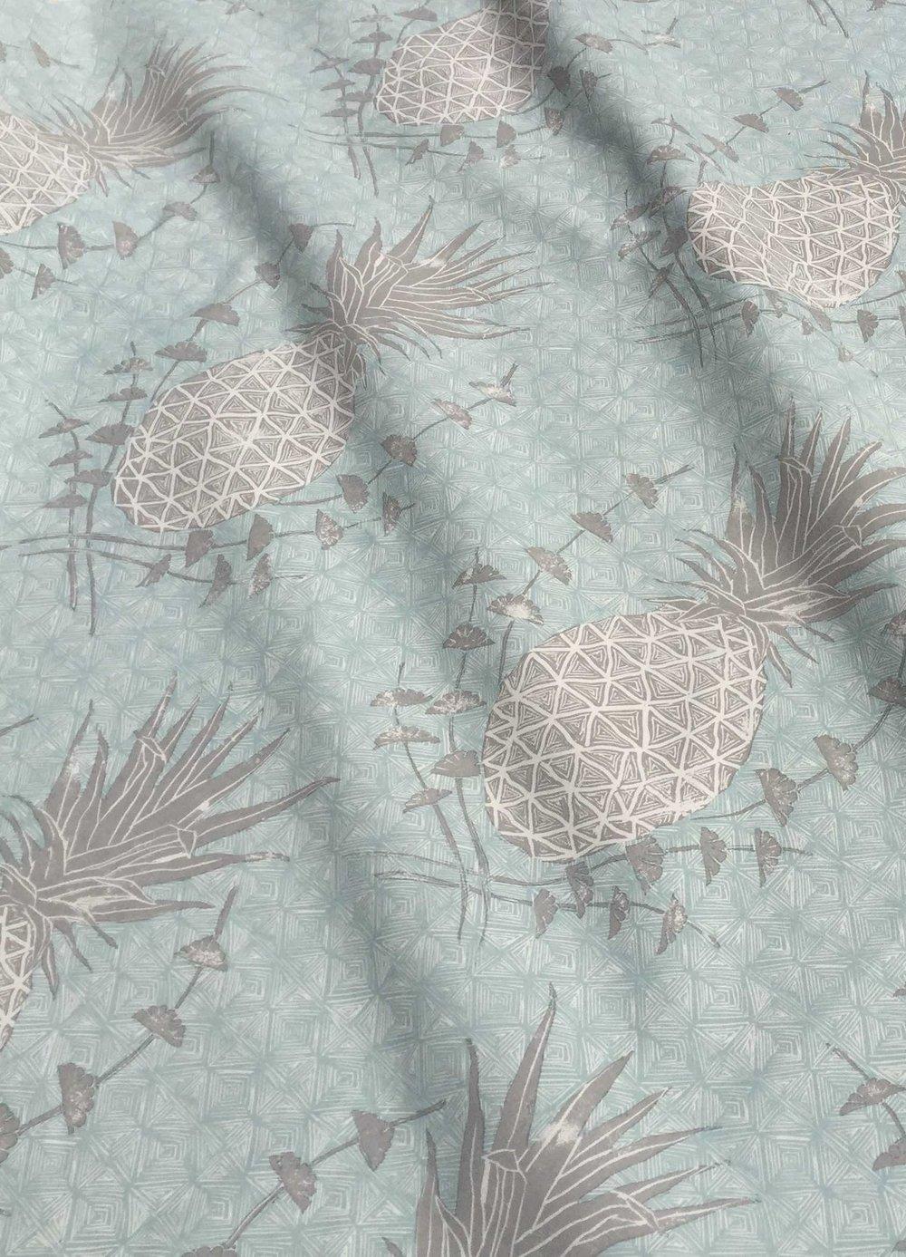 Royal Pineapple in Celadon, KF210-04