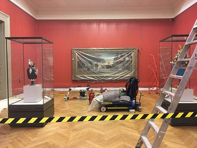 When life and art is one, and the world makes sense for a bit 😌 #preraphaelite #manchester #art #gallery #life #paint #inspiration #manchesterartgallery #underconstruction #mindfulness #martinparr