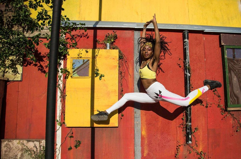 Performer & Choreographer Mele Broomes, costume Zephyr Liddell, 2017.  Image Nadia Otshudi