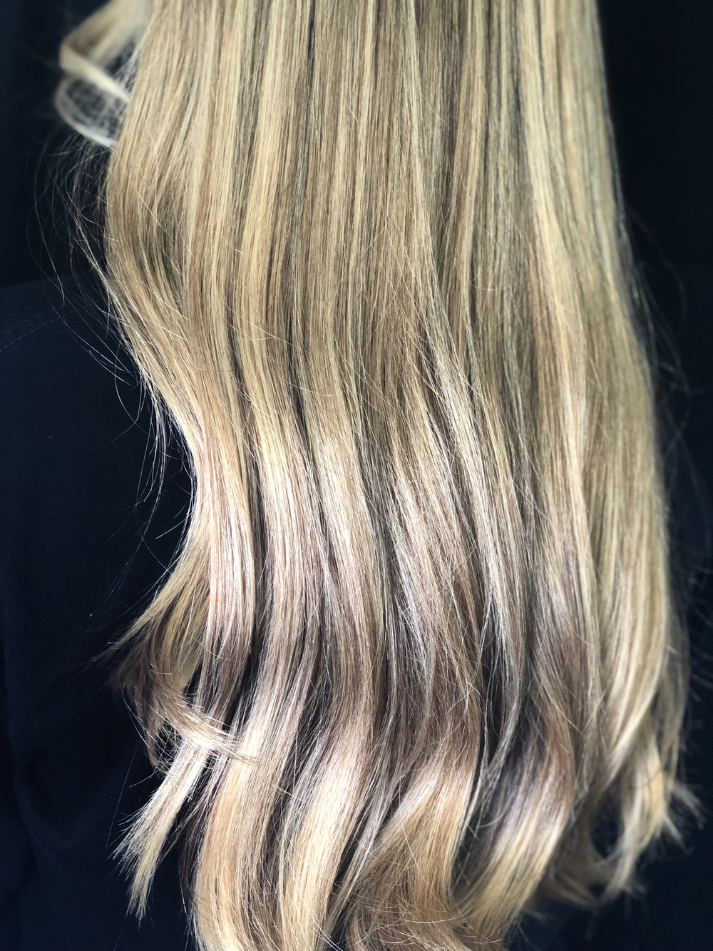 #Balayage #Hair #Highlights #Haircut #Stylist #Salon #Hairsalon #Blowout #Hairdresser #Colorist #Hairstylist #Haircolor #Retouch #Keratin