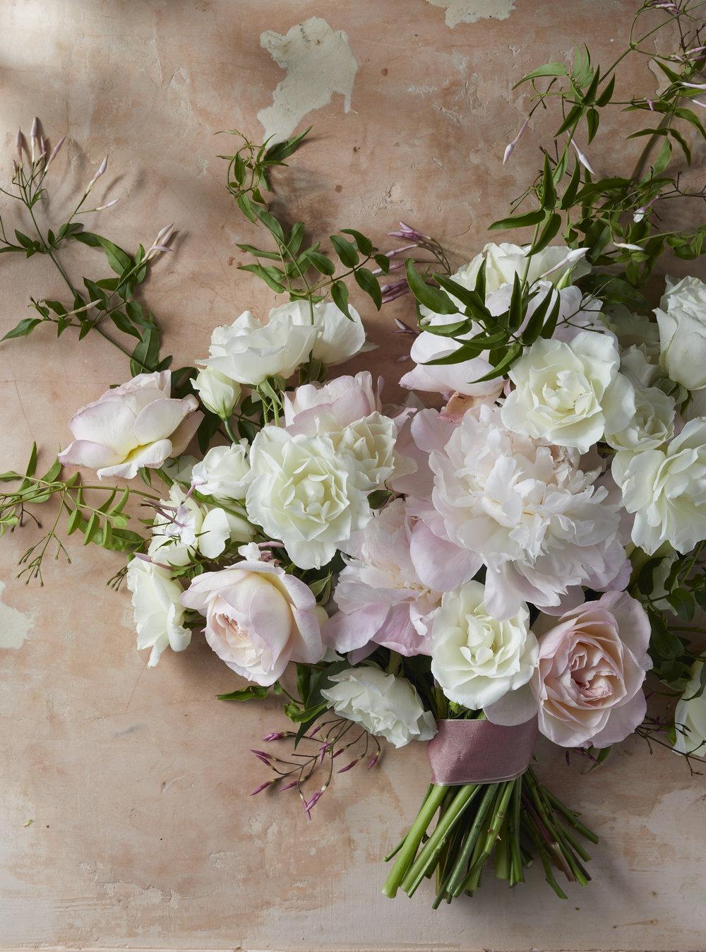 photo:: Alice Gao // flowers:: Doan Ly
