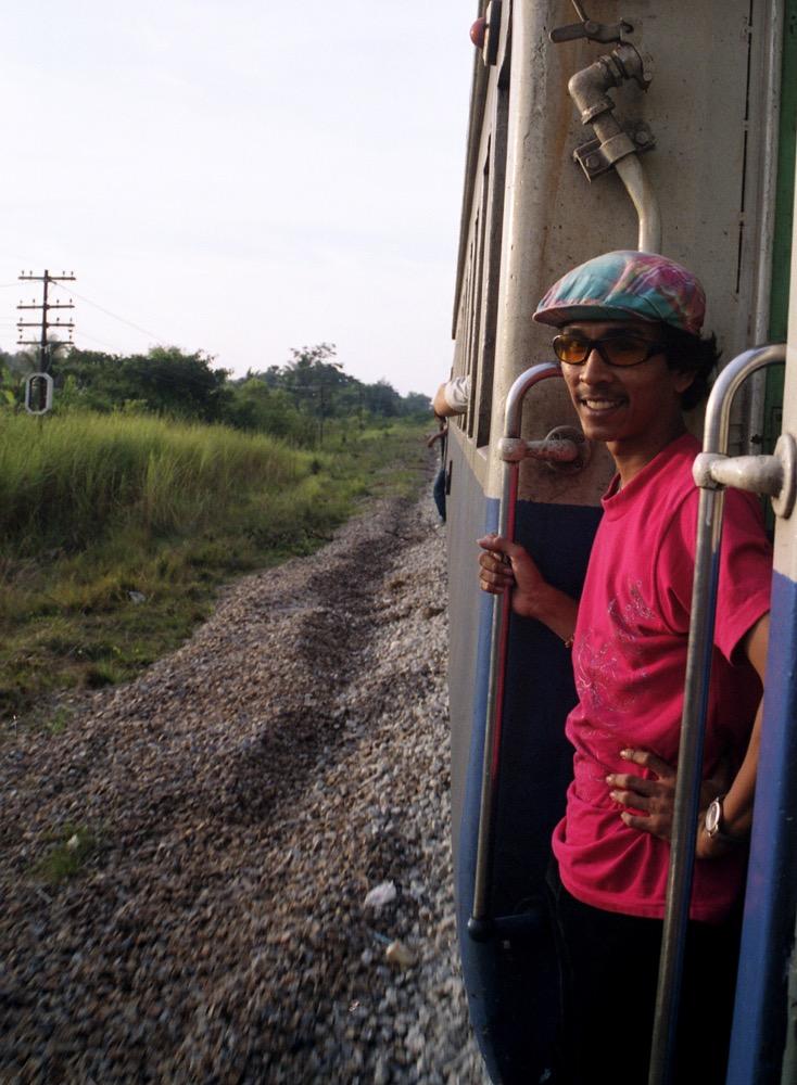 Sungai Kolok Train_012.jpg