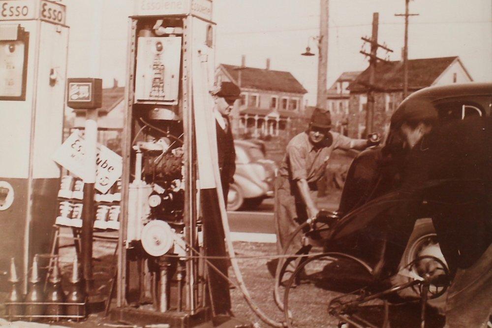 mystic_oil_co_old_gas_pump.jpg