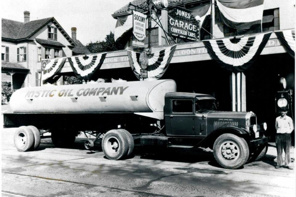 mystic_oil_co_truck_historical.jpg