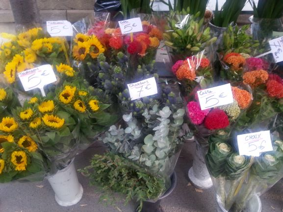 Flowers at the Arles farmers market