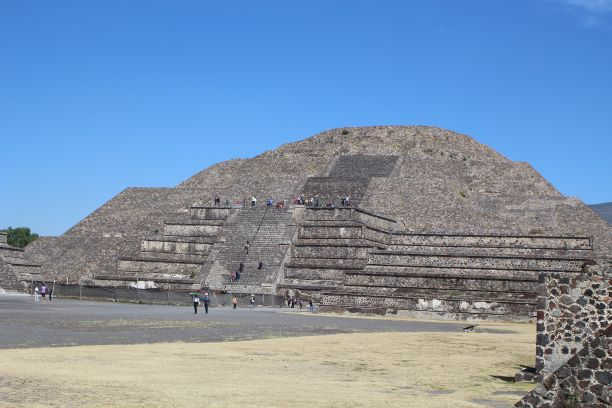 Pyramid of the Moon, the smaller pyramid, Teotihuacan, Mexico