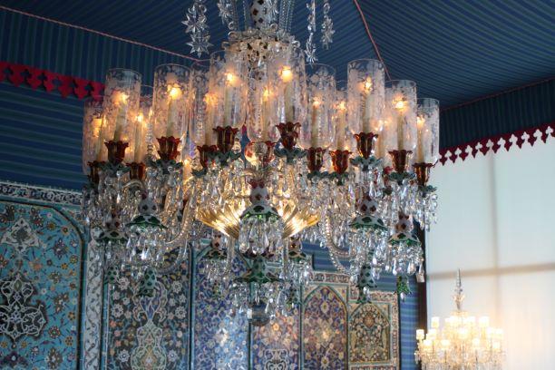 Shangri La chandelier.JPG