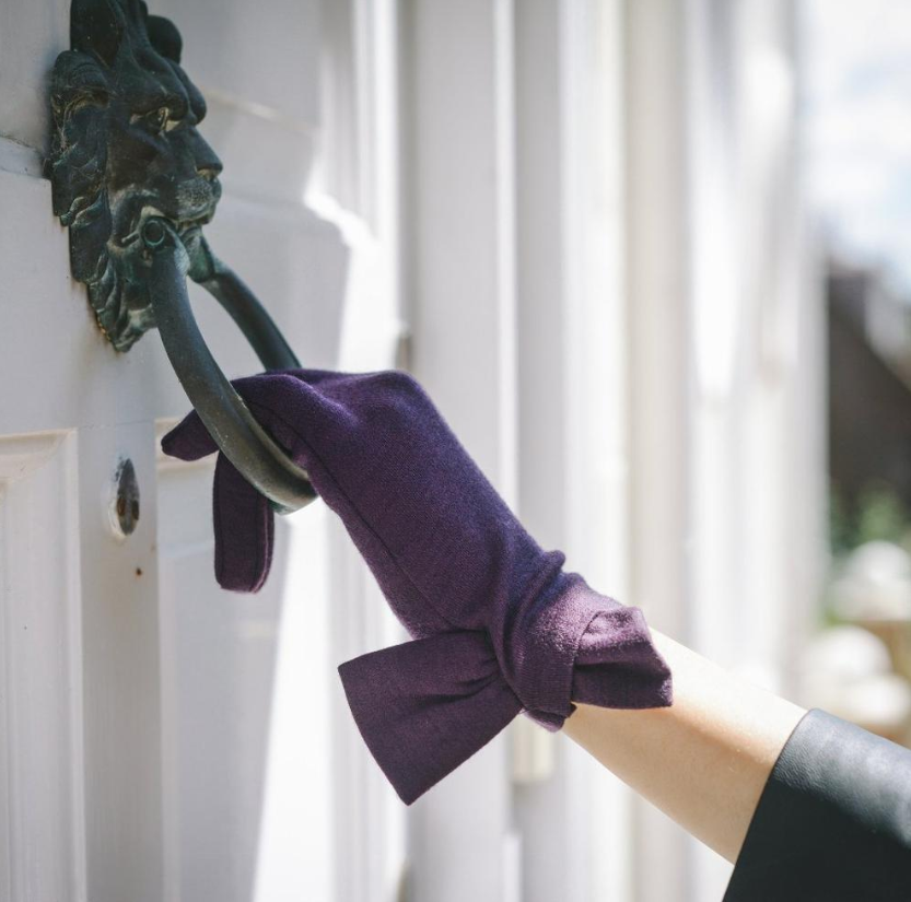 Image of the Imogen Glove from the incredible UK glove maker  Cornelia James .