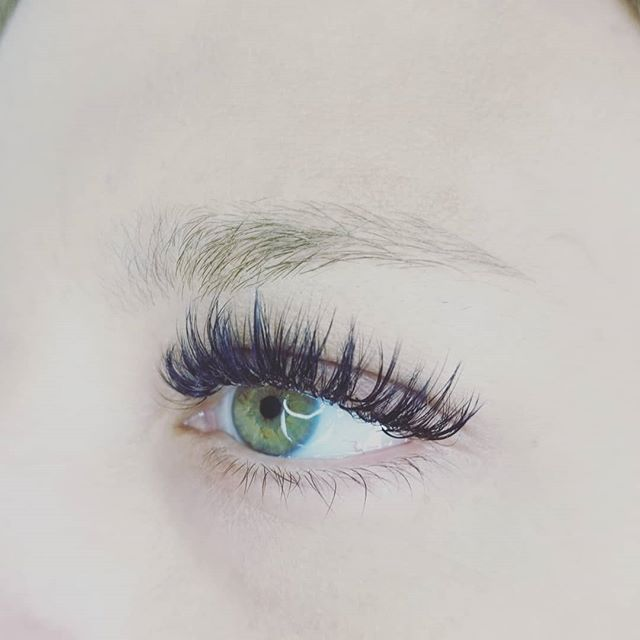 Who wants lashes??