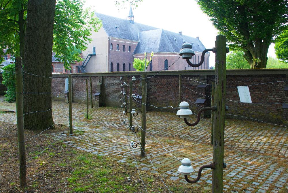 Achelse kluis met reconstructie Jeroen.jpg