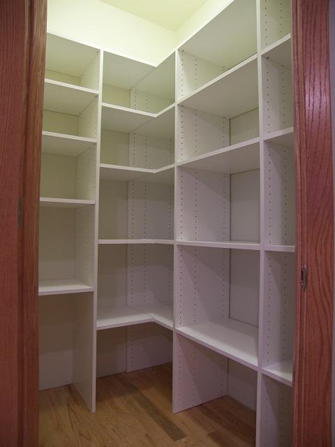 butt joint corner pantry s.jpg