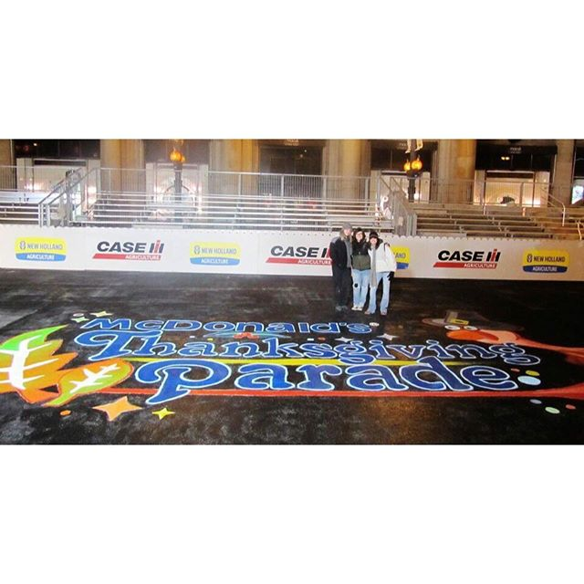 A few years back I volunteered to help paint Chicago's Macy's Thanksgiving Day parade street mural on thanksgiving eve.. turns out it's a lot bigger then you think @michicity_art #macysthanksgivingdayparade #streetart #mural #floormural #neveragain