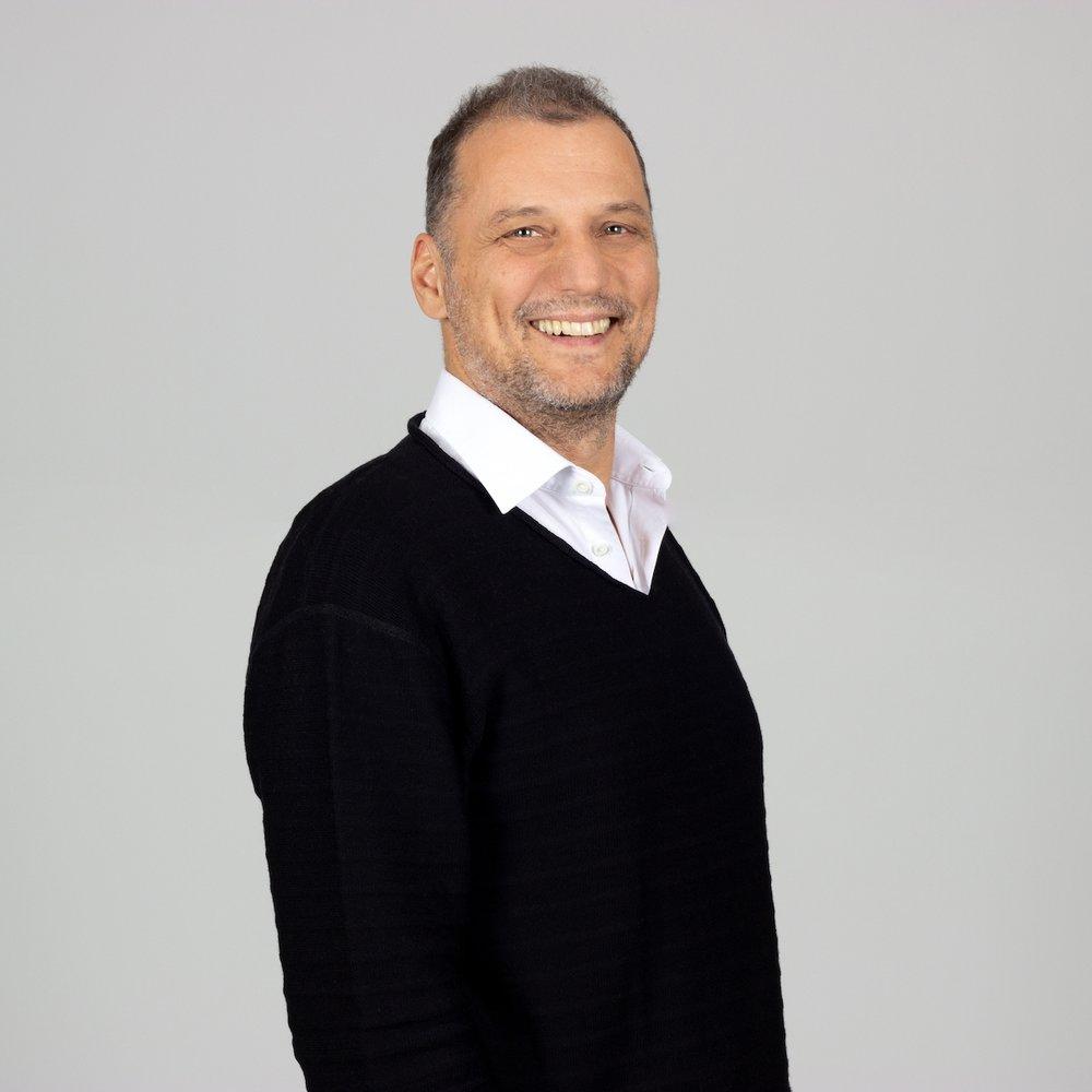 Ralf Zilligen - Geboren 1962. MBA. Vielfach national und international auf dem Treppchen. Seit 20 Jahren im ADC. Kreativ-, Media-, Digital- und Promotionsagentur gestählt. Schwerpunkt: Marke, Strategie, Medien und Ideen.