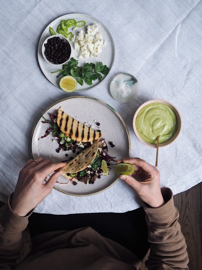 VITAMIX – BLACK BEAN TACOS WITH ROASTED SPICED CHICK PEAS & AVOCADO CORIANDER CREAM