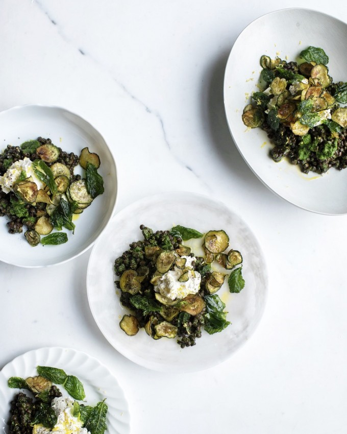 GRAZIA – PUY LENTILS, GREEN SAUCE, WITH HOMEMADE LABNEH, CRISPY COURGETTES & FRIED MINT LEAVES