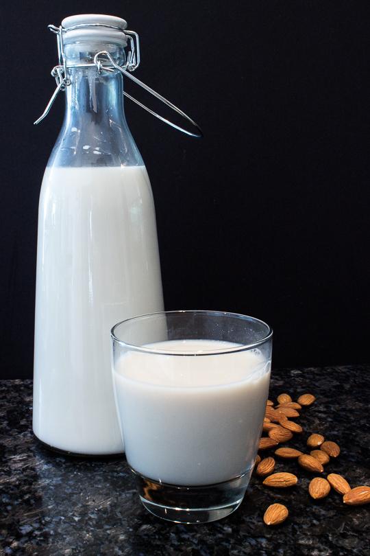 Almond-Milk-15-of-15.jpg