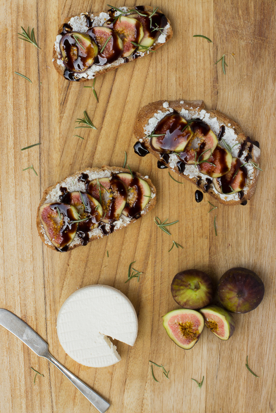 Fig-Crostini-with-Alomd-Cheese-and-Balsamic-Glaze-2-of-9.jpg