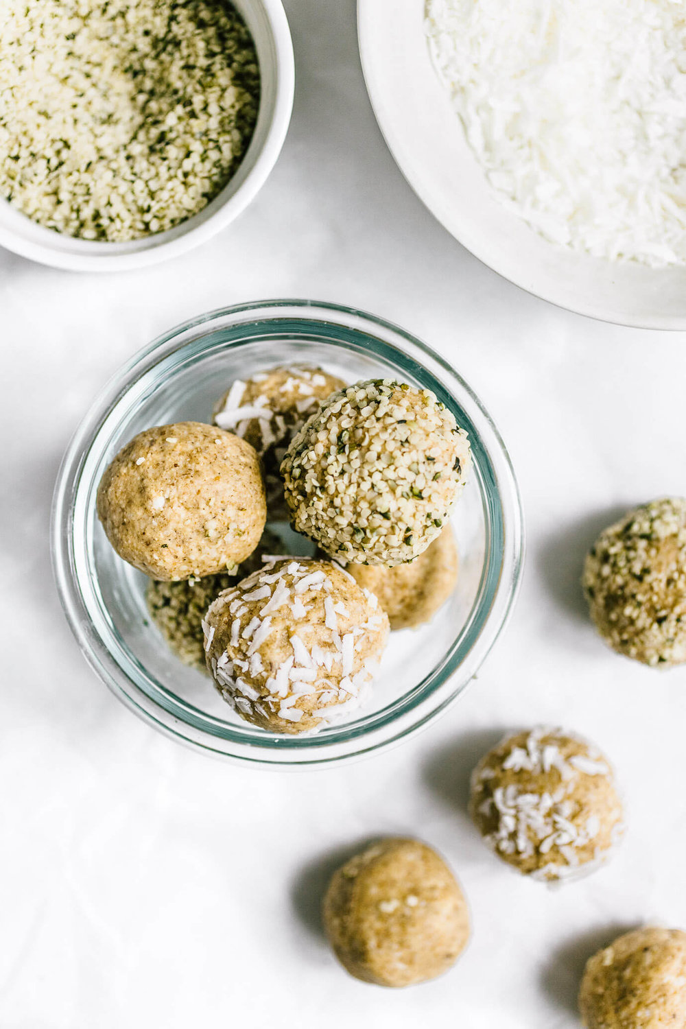 Cashew_Coconut_Collagen_Balls-3-of-5.jpg