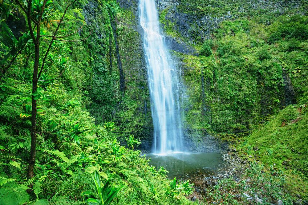 hanakapiai falls.jpg