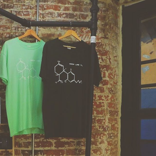 We only have a few of these OG hemp lab tees left 🔥 Dropping some new color ways + styles v soon 💦 Get em till they're gone ! 😘 . . . #cannabisalternatively #cannabiscommunity #raiseyourvibrations #bodymindsoul #cannabiscommunity #420 #stonerdaily #weeddailyb#streetwear #molecule #og  #cbdflower #cbdpreroll #hemp #apothecary #weedstagram#organiclifestyle #stonernation  #nyc #bushwick #highsociety  #perspective #cbd#tshirt