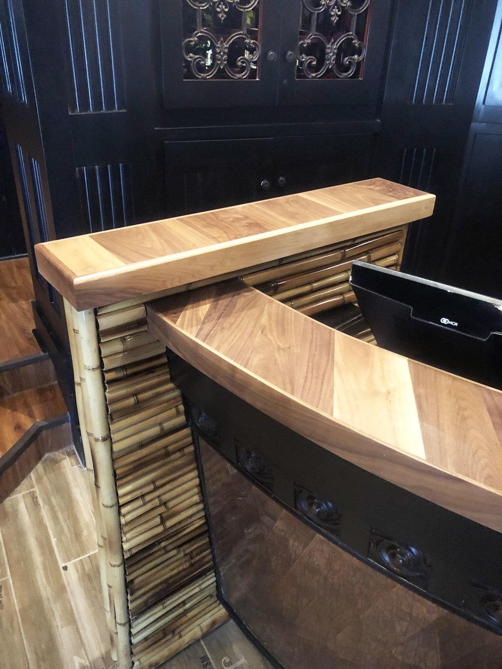 Long Table_Corner.jpg