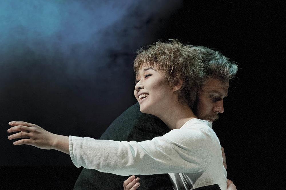 Les Miserables Na-Young Jeon (Fantine) & Daniel Koek (Valjean) 08.13 DSC_8612 Photo Michael Le Poer Trench Copyright CML.jpg