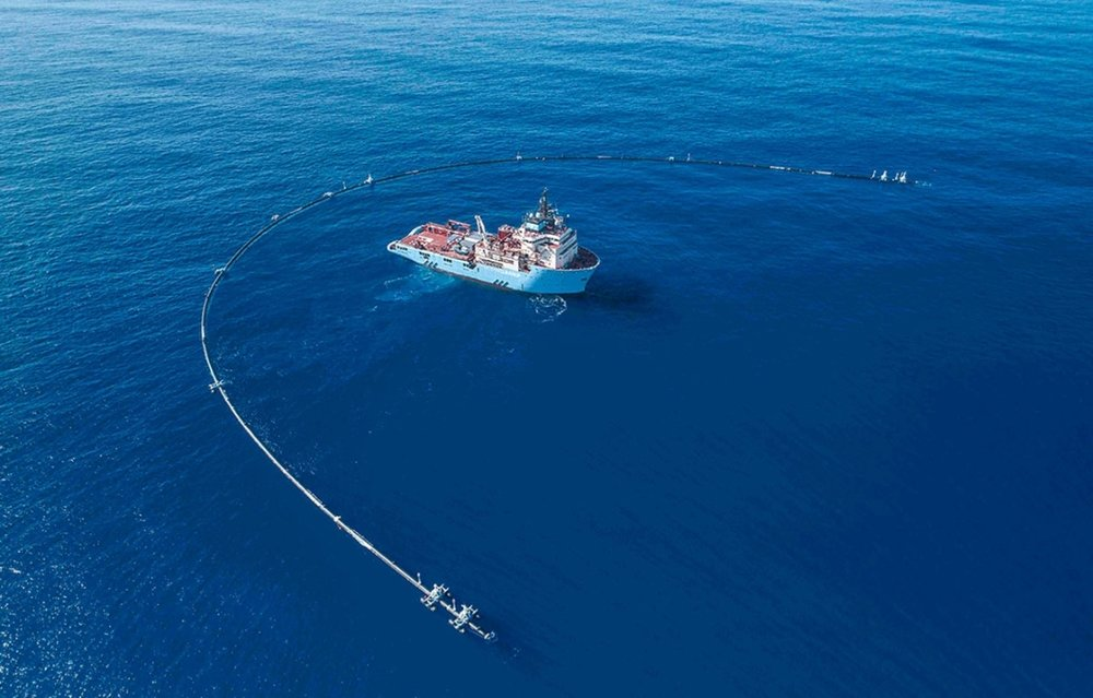 """System 001 dispatched to """"Great Pacific Garbage Patch"""", located between California and Hawaii. Photo source: TheOceanCleanup.com"""