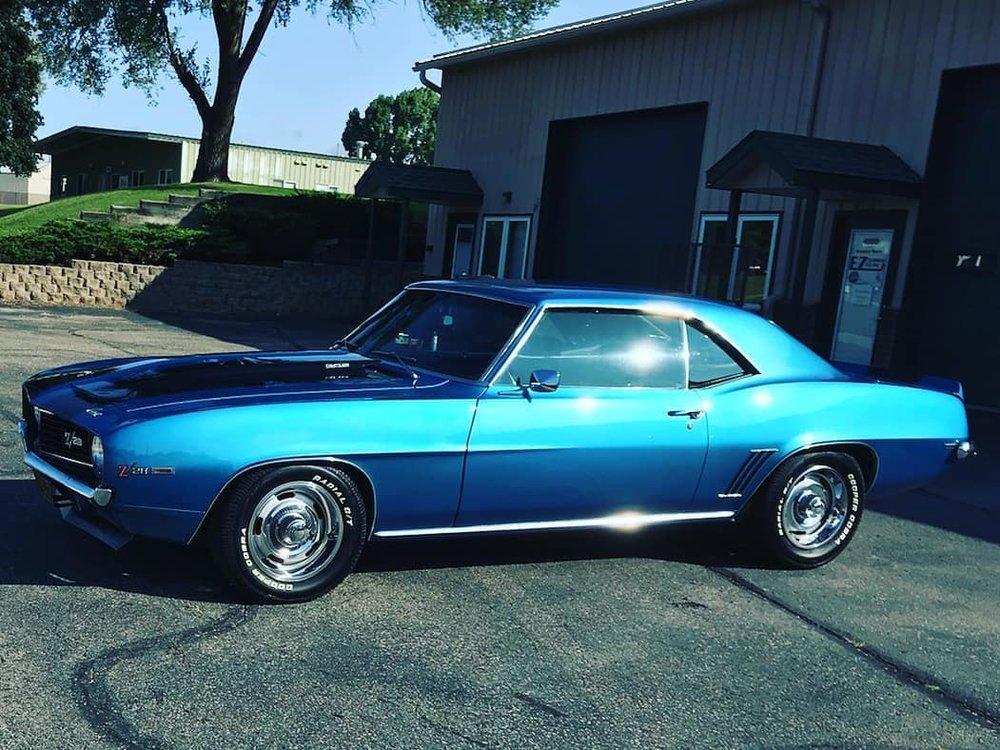 sweet-classic-blue-car.jpg