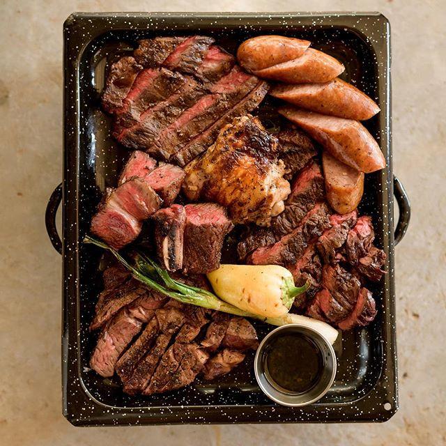 Ven a probar la mejor carne en el Valle de Guadalupe. Carne Y Vino Parilla Argentina en @cavamaciel. *********** Come try the best steak in the Valle de Guadalupe. Carne Y Vino Argentine Grill at @cavamaciel . . . . . . #CarneyVino #valledeguadalupe #parrillaargentina #cavamaciel #travel #mexico #wanderlust #ensenada #valledeguadalupe #bajawine #wine #travelgram #instatravel #vino #winecountry #winetasting #bajacalifornia #food #foodie ##instafood #vscofood #eatingfortheinsta #foodbeast #onthetable #eatfamous #nomnomnom #alwayshungry #thatvallelife