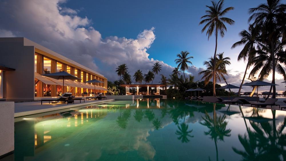 Honeymoon in the Maldives - Park Hyatt Maldives Hadahaa - pool