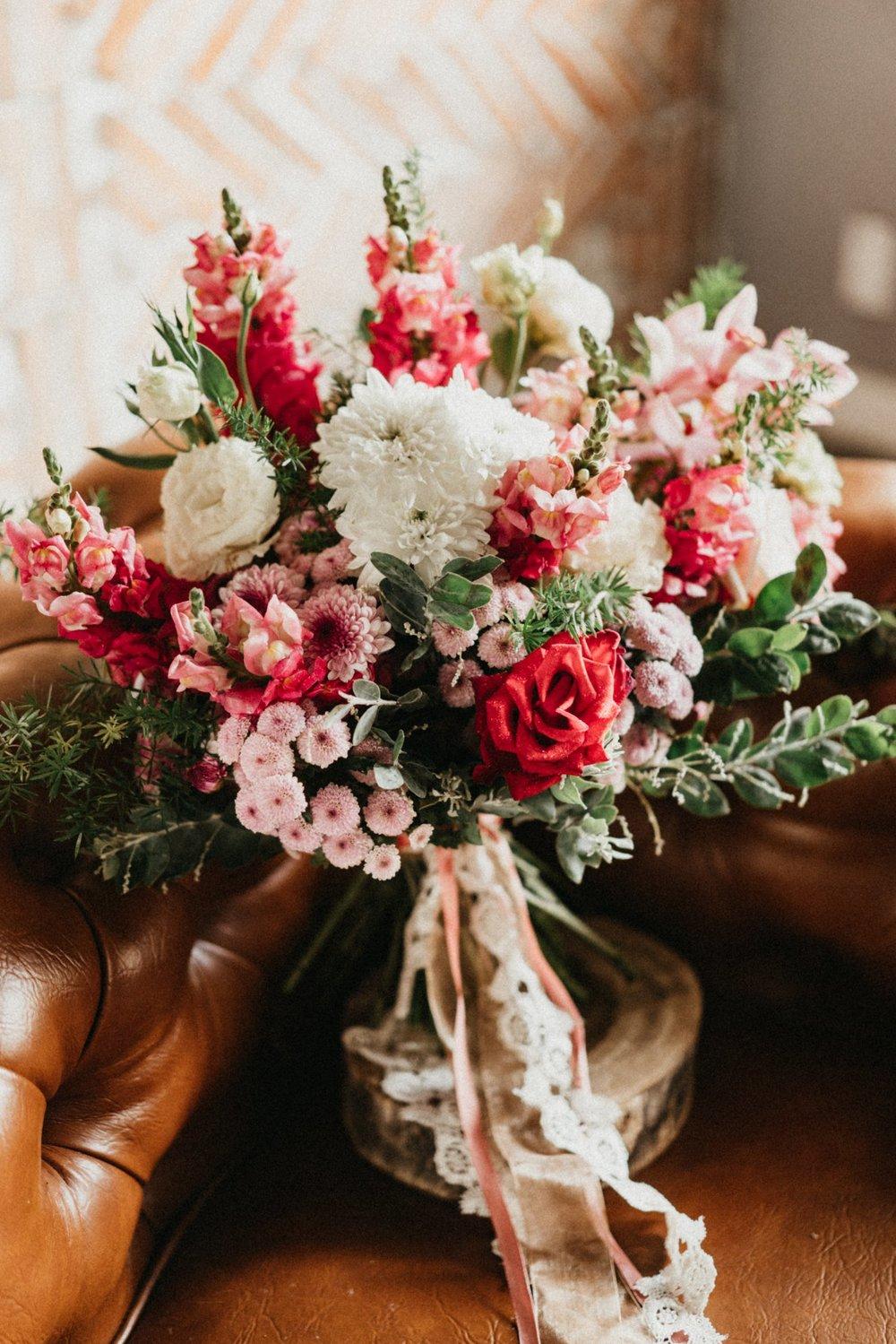 Bouquet #B01 - Gam hồng đỏ
