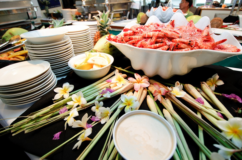 Buffet-lunch-With-Prawns.jpg