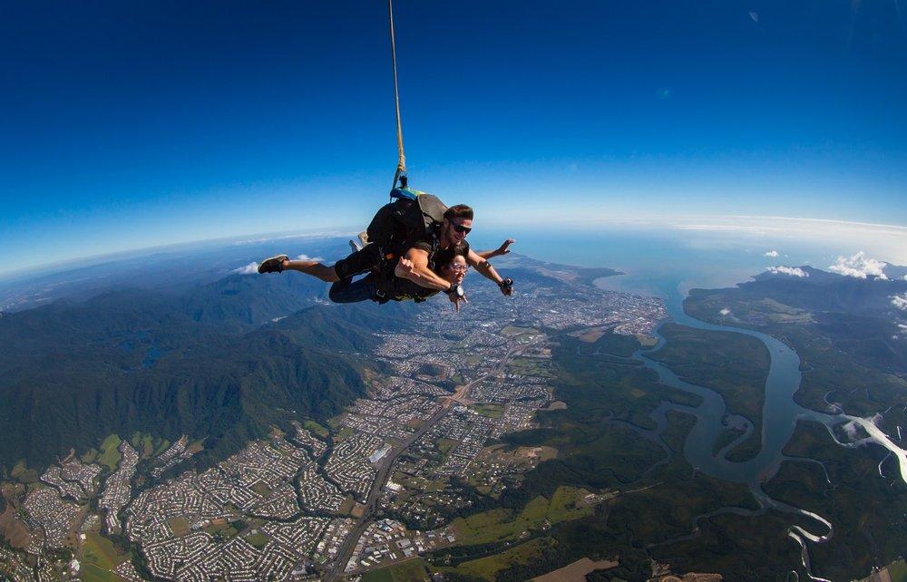 Skydive_Cairns_freefall.jpg