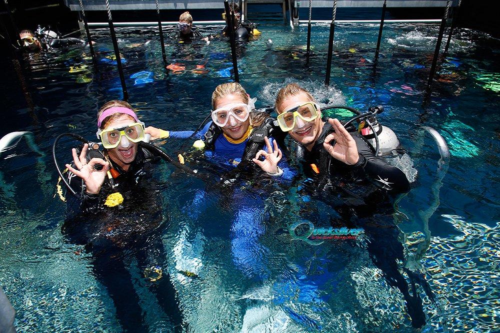 outer-barrier-reef-pontoon-platform-learn-to-dive.jpg