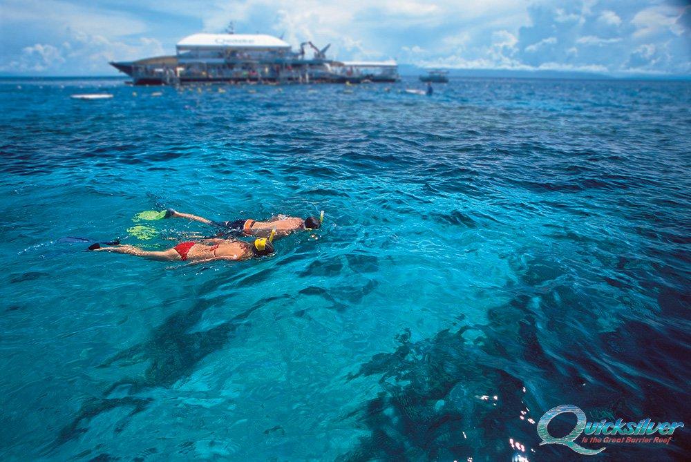 outer-barrier-reef-snorkel-couple-pontoon-platform-background.jpg