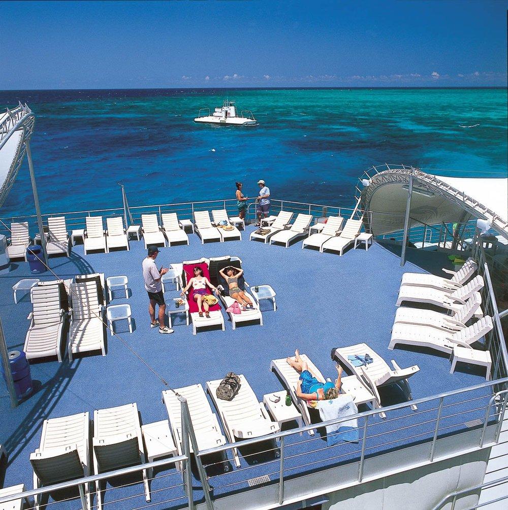 outer-reef-pontoon-platform-05.jpg