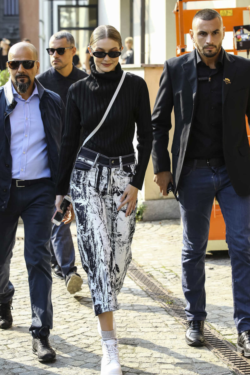 gigi-hadid-leaves-the-max-mara-fashion-show-during-the-milan-fashion-week-in-milan-09-20-2018-5.jpg