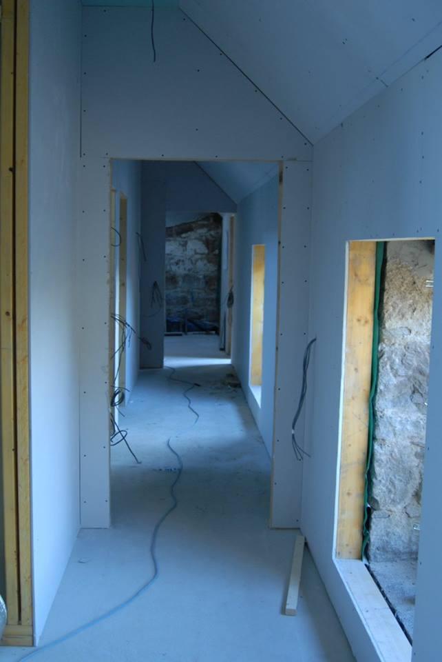 steading room doorways plastered