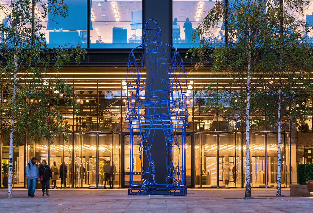 In_Anticipation_public_art_hero_sculpture_public_art_shoreditch_london_acrylicize_james_burke_artist_design_acrylicize14.jpg