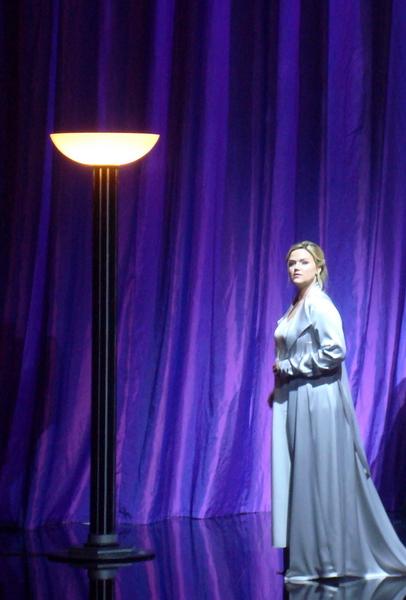 Angela Fout as Violetta