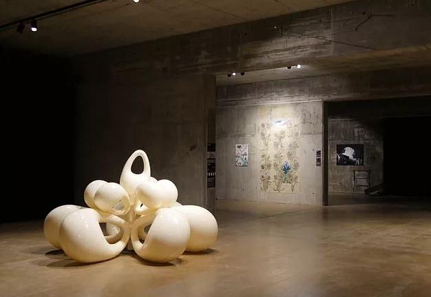 Al-Tiba9 Contemporary - Arab International exhibition of Contemporary art, Performance and Fashion design.