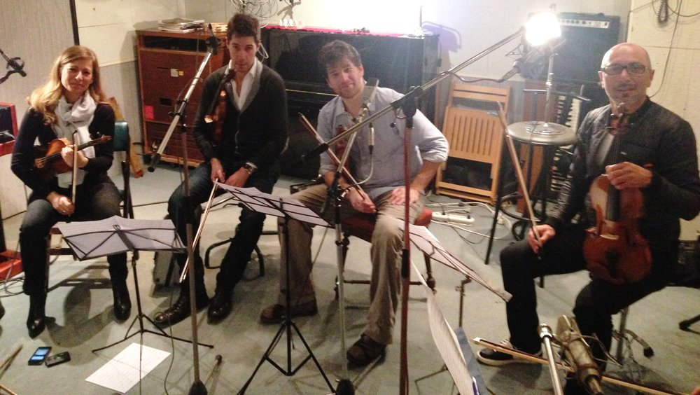 - J'écris pour l'occasion un arrangement qui sera interprété par le quatuor à cordes de Mlle Anne Gravoin.