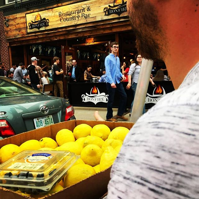 Sometimes your friends over at @boardsandbrewsnh run out of lemons and are in need of an emergency pedicab ride to pick up a box... Just another day cruising around downtown... No big... By the way, they are awesome and you should totally go visit them for food, drink and a fun experience! They have so many epic games!  https://www.boardsandbrewsnh.com  #Lemons #Pedicab #FunTimes #Peddl #PeddlPower #Manchester #MHT #ManchVegas #ManchesterNH #PedicabAdventures #Spring #SpringTime #NH #VisitNH #VisitNewHampshire #VisitMHT #visitmanchesternh #Downtown #DowntownMHT #Millyard #FarmStand
