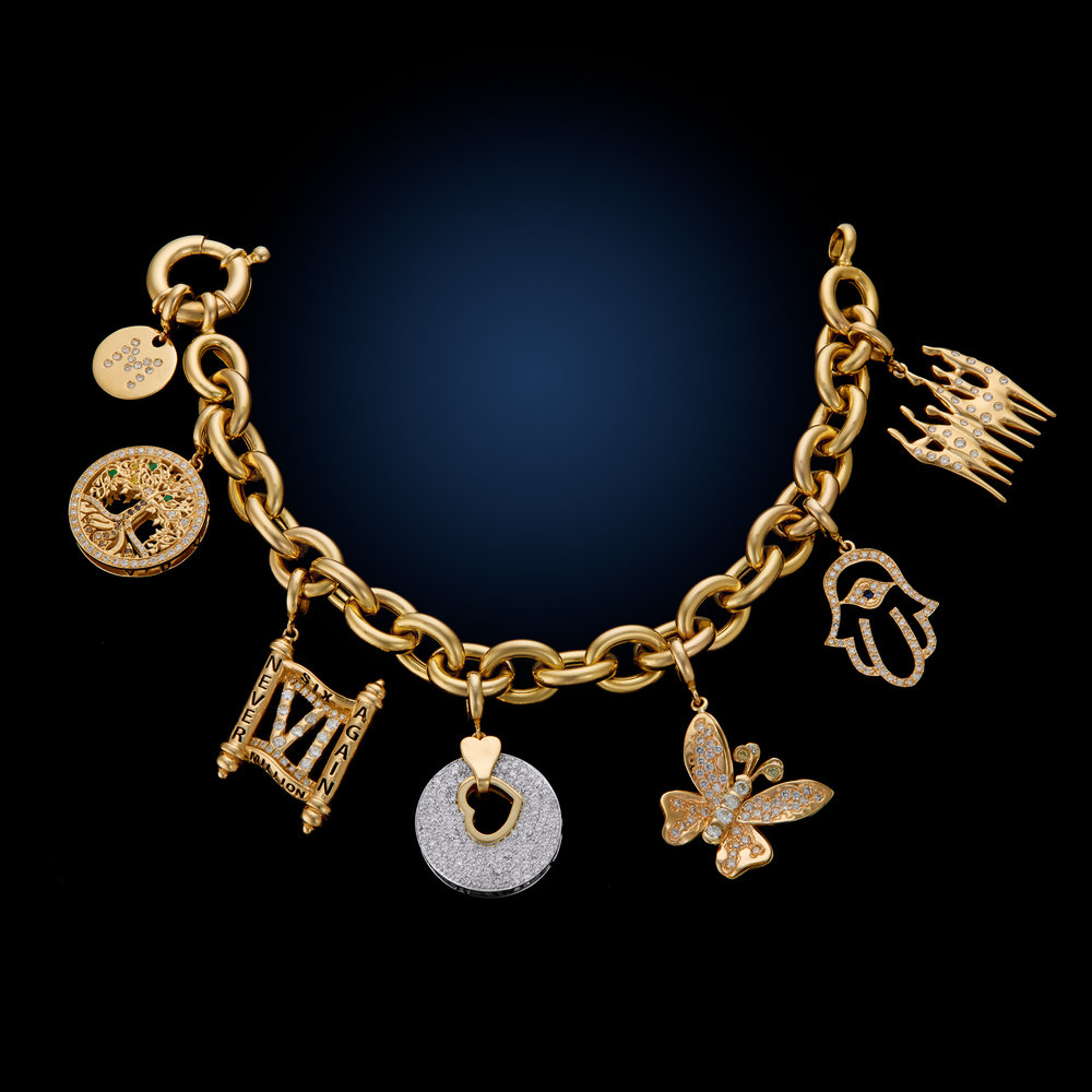 Holocaust_Charm_Bracelet_Miami_Fort Lauderdale_Commercial_Jewelry_Photographer_Franklin_Castillo.jpg