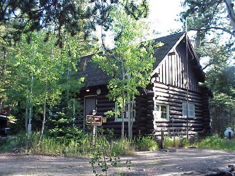 Wild_Basin_Ranger_Station_and_House.jpg