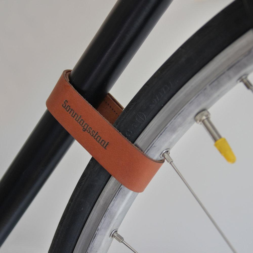 Sonntagsstaat-BikeValetOak-Detail02.jpg