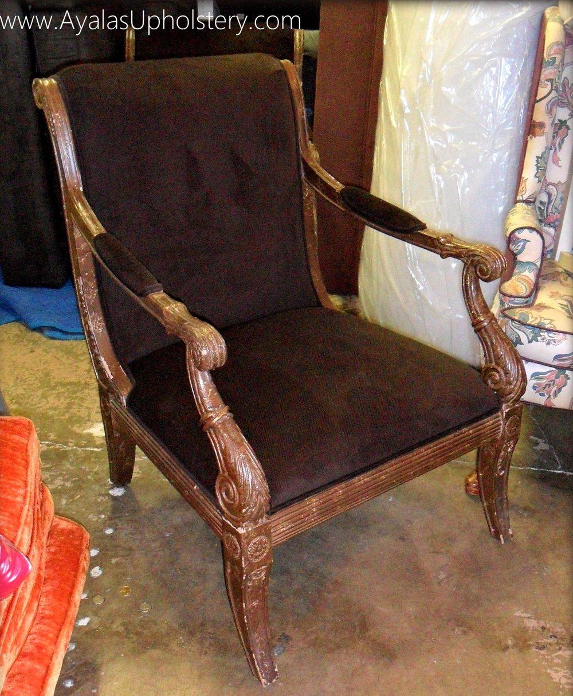 Brown_Vintage_Look_Chair.jpg